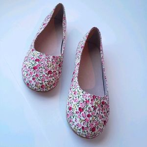 NWOT Chasing Fireflies Girls Shoes Mini Floral Slip On